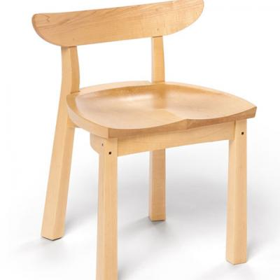 standard maple serpentine chair front view